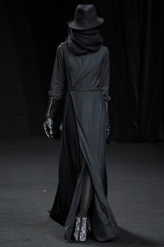 Revealed: The New Fashion Style Of Naija Team Light Skinned Girls